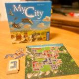 【ゲーム紹介】マイ・シティ (My City)|全8章・24のストーリーを進めるレガシータイル配置ゲーム!